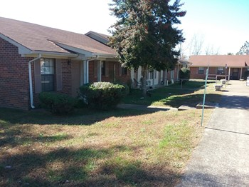 43 Irish Drive 1-3 Beds Apartment for Rent Photo Gallery 1
